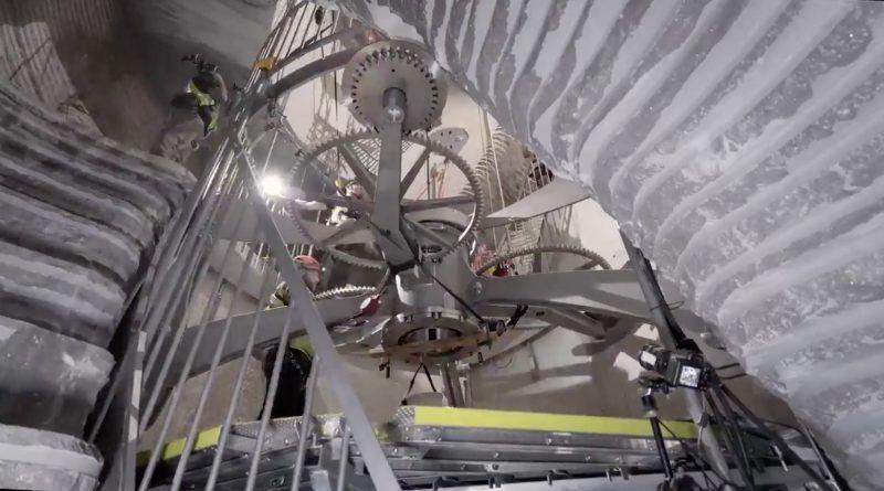 This Gained Clock Will Tick For 10000 Years Mallupedia Clock Jeff Bezos Bezos
