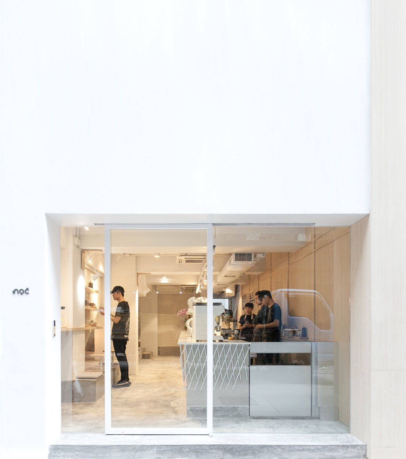 Home Design Ideas Hong Kong: A Sleek Coffee Shop In Hong Kong With Beautiful