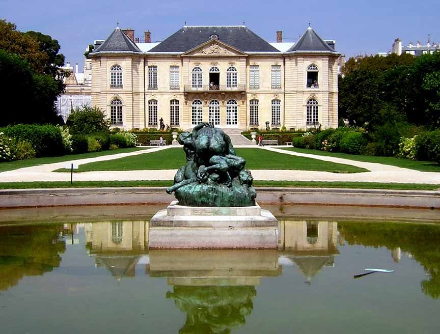 The Lovely Grounds Of Muse Rodin In Paris 79 Rue De Varenne 7e Complete With A Fountain Rose Gardens And Pleasant Outdoor Caf Make For