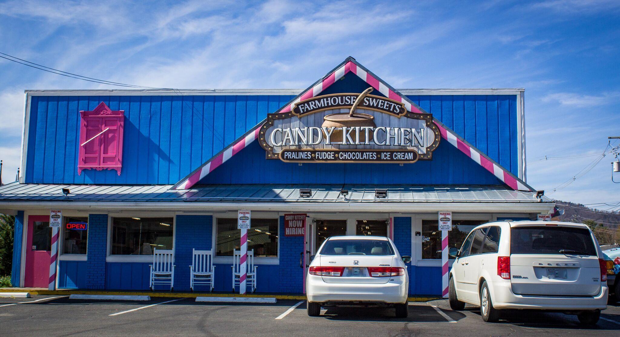 37 Shops In Pigeon Forge Ideas Gatlinburg Cabin Rentals
