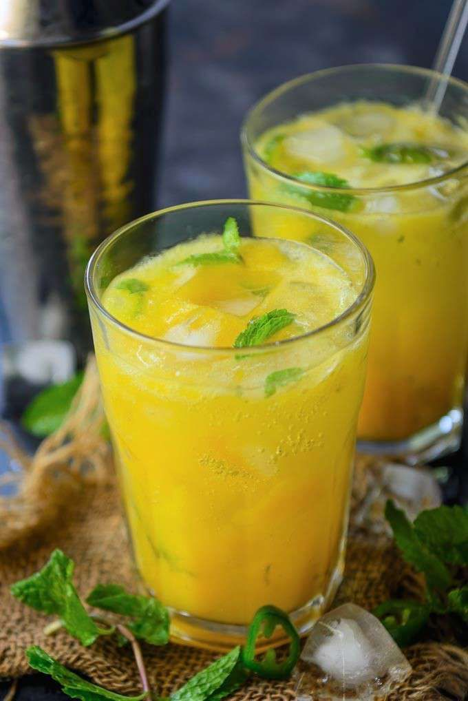 Best 20 Flavorful Drinks Cocktails With Mangoes Food And 640 x 480