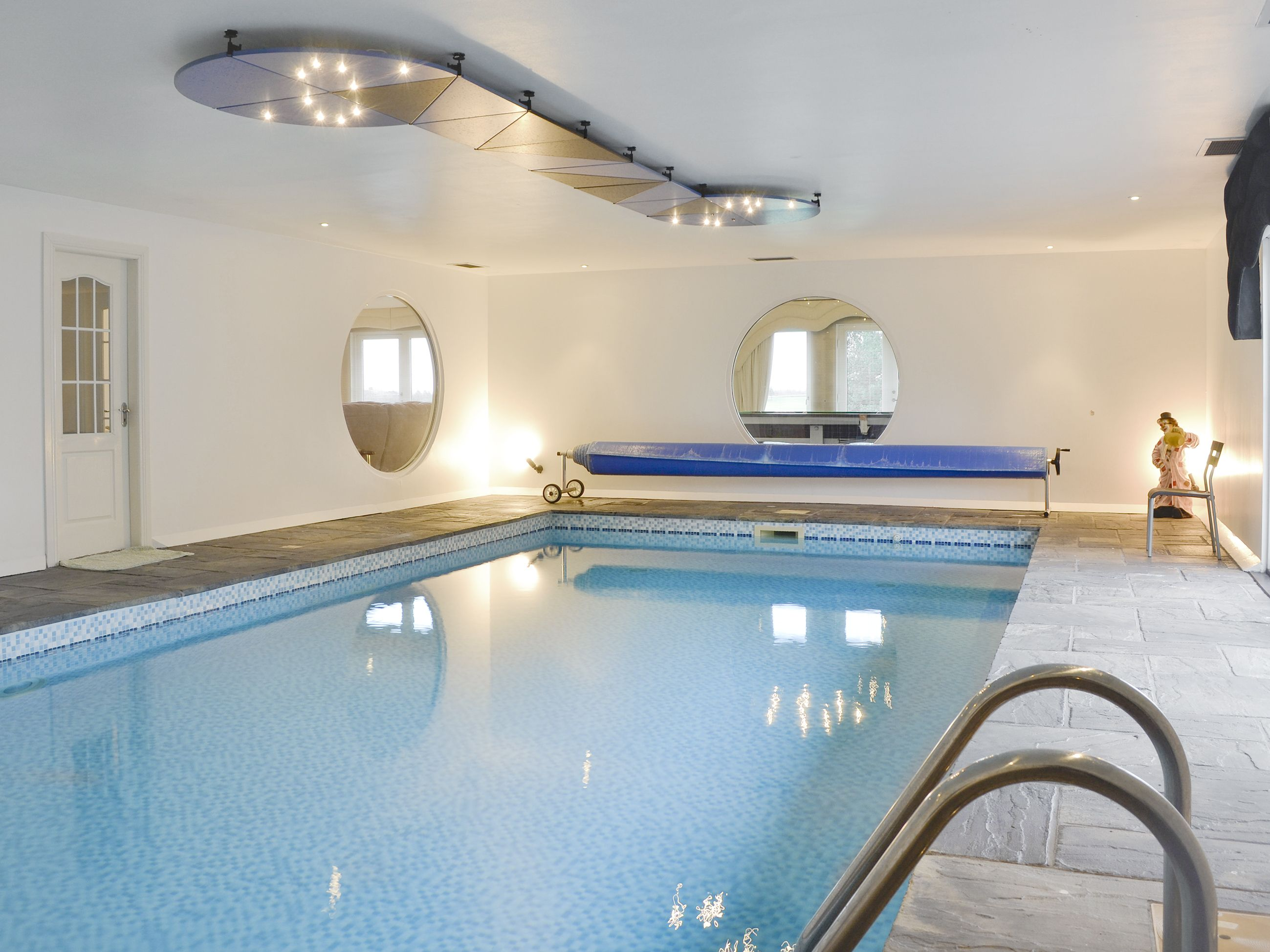 Golf View Ref Uk5217 In Fowlis Near Dundee Angus Cottages Com Cottage Indoor Swimming Pools Scottish Cottages