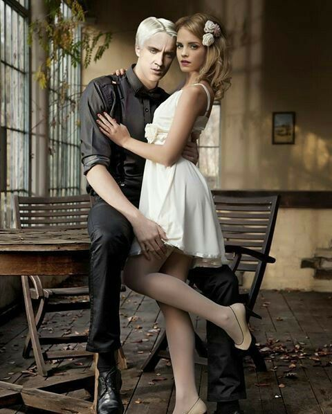 draco malfoy and hermione granger dating fanfiction