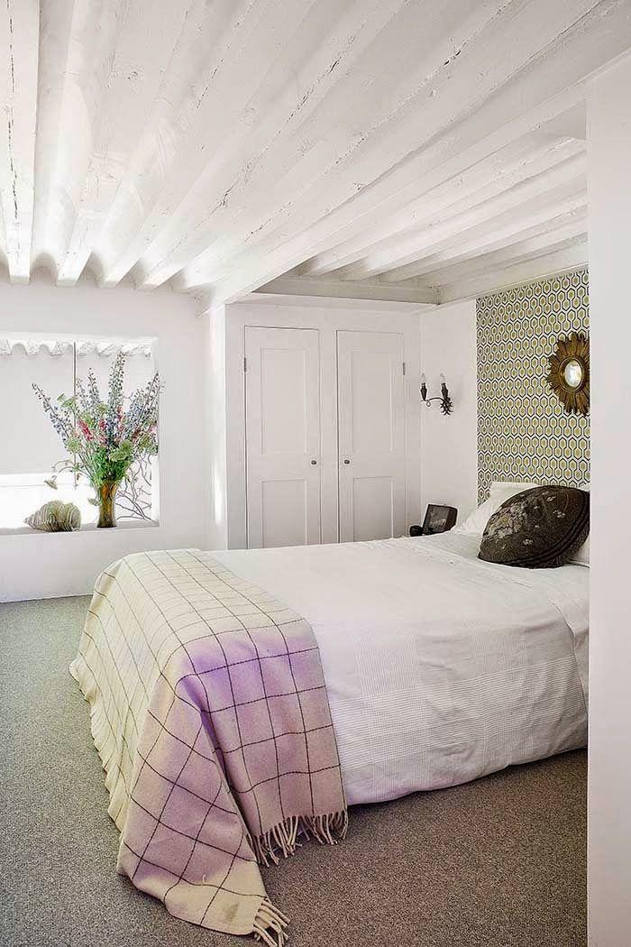 Keltainen talo rannalla: Tyyliä ja värejä
