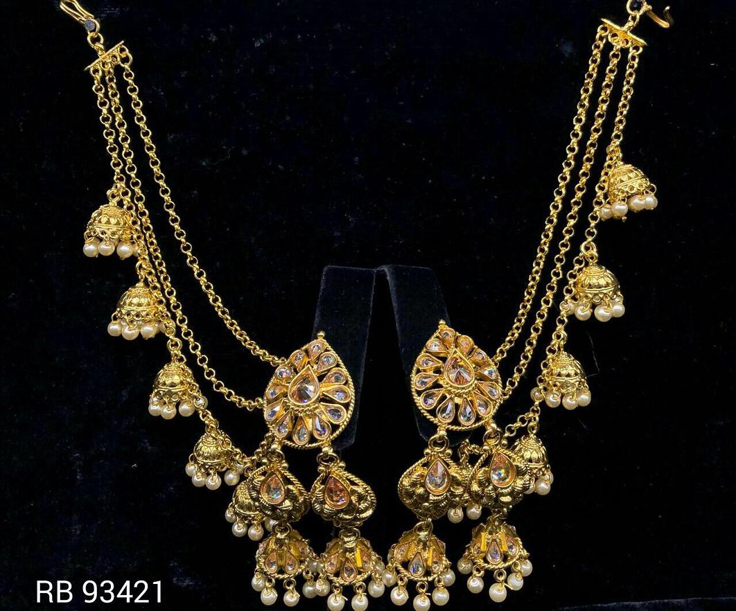 Earrings set DM us for more info Indianjewellery