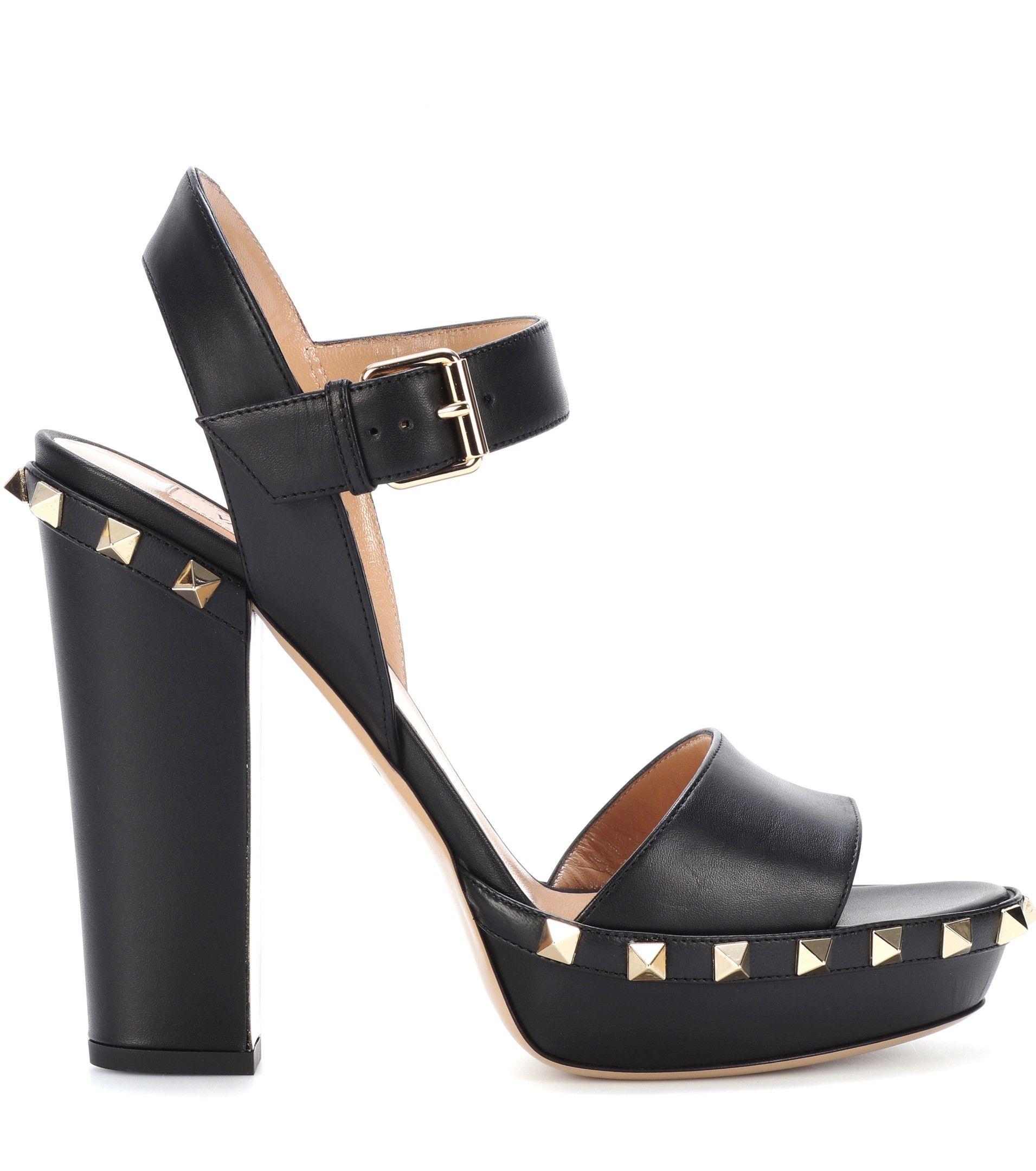 Valentino Garavani Rockstud leather plateau sandals xpIl0ZL8PQ