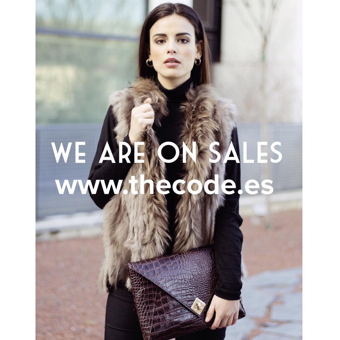 """""""Aprovecha nuestras rebajas We are on sales www.thecode.es"""""""