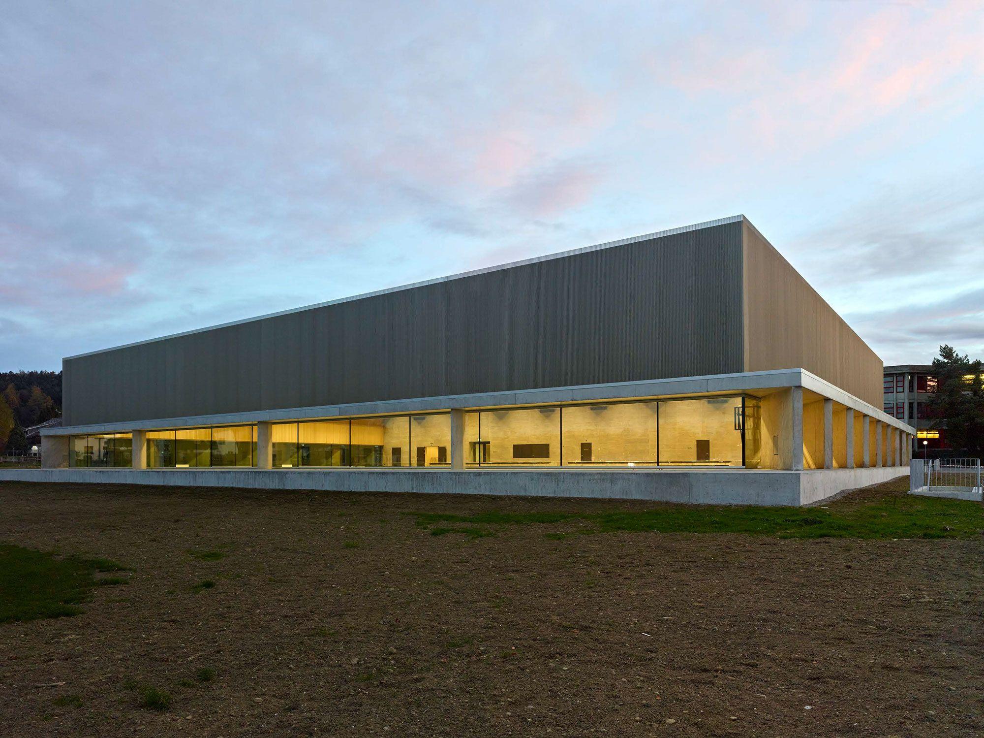 Schweizer sporttempel dreifachhalle in aadorf von graf biscioni architekten architecture - Graf architekten ...