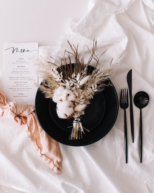 Set Your Fall Table With These Dried Floral Bouquets