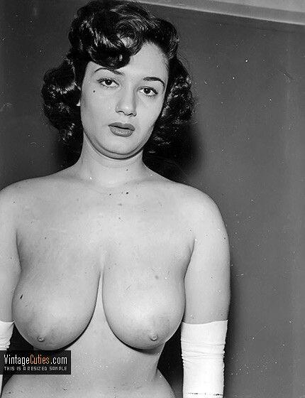Classy vintage nudes