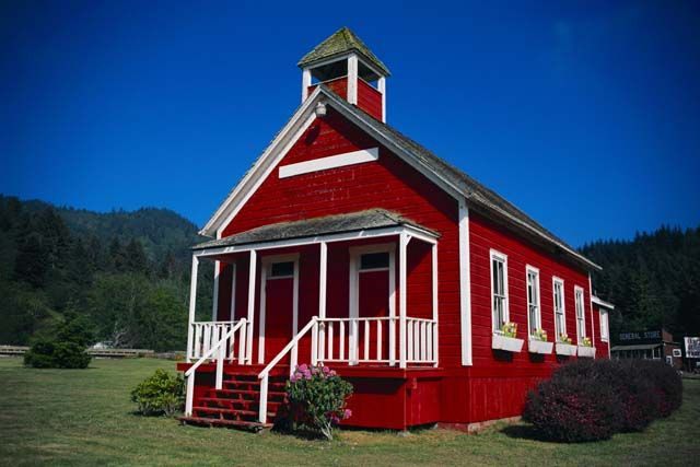 little red schoolhouse - 640×427