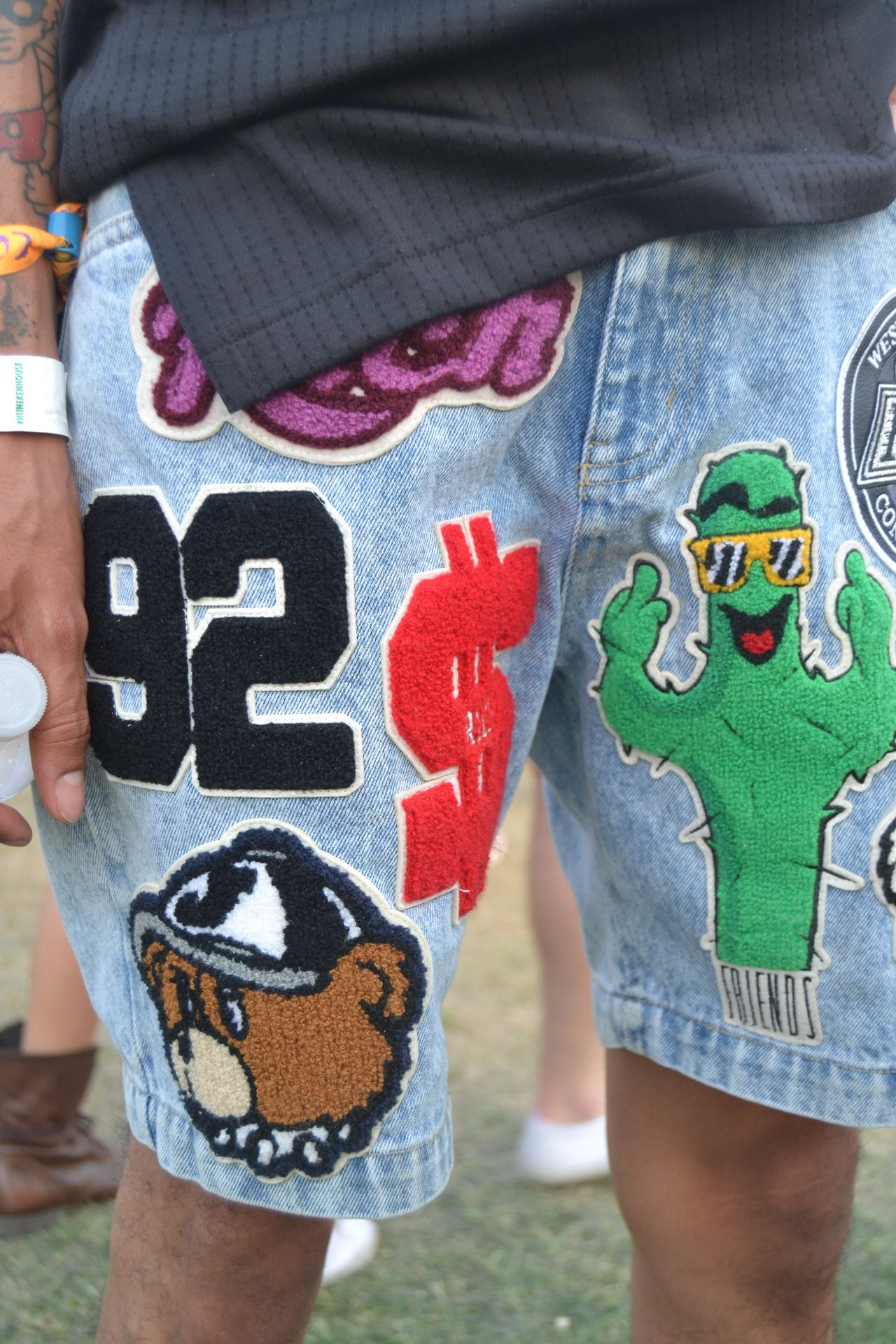 Some of the coolest denim patches we saw at Coachella yesterday #streestyle #wgsnlive