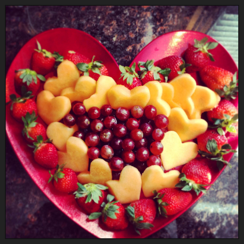 Valentine Fruit Valentines Day Fruit Platter Fruits Presentation Pinterest