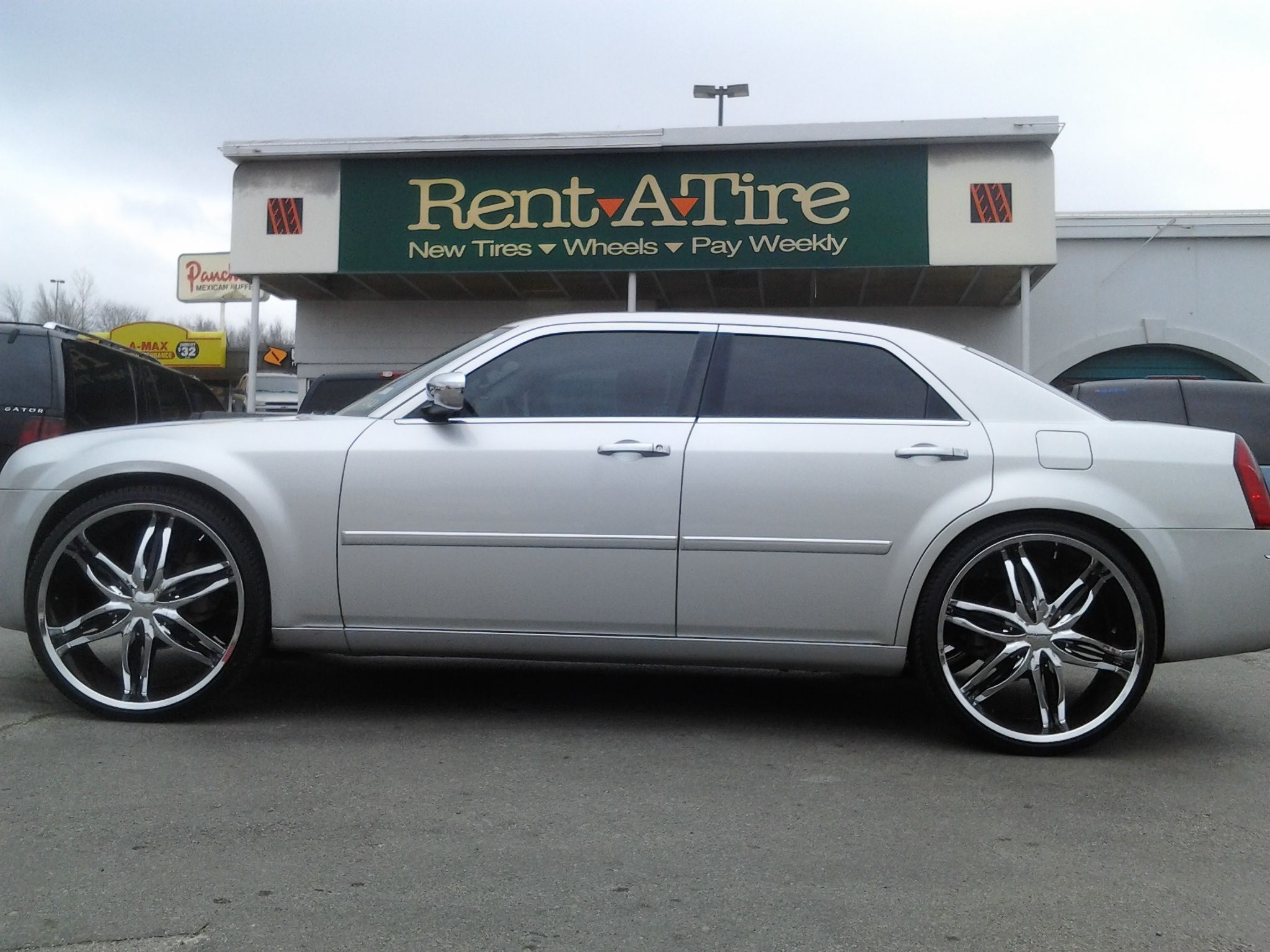 Chrysler 300 on 26 viscera 778