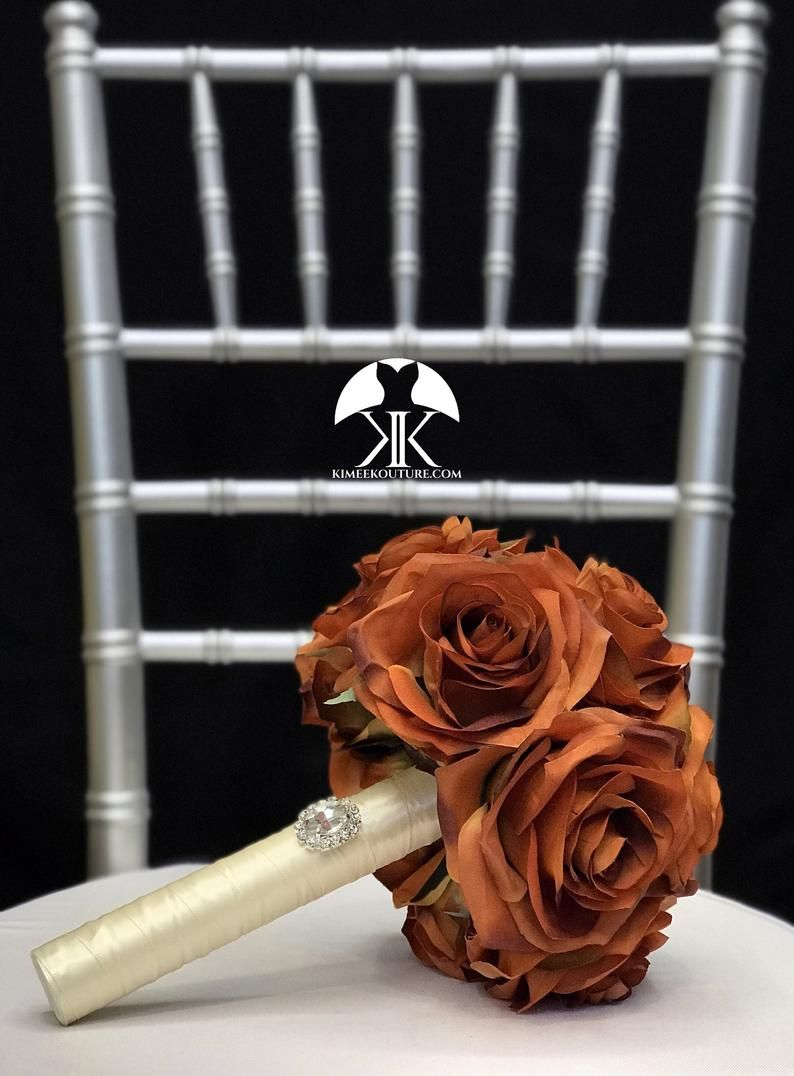 BURNT ORANGE Bridesmaid Bouquet With BROOCH Handle. Brooch Bouquet. Burnt Orange Wedding. Quinceaner #bridesmaidbouquets