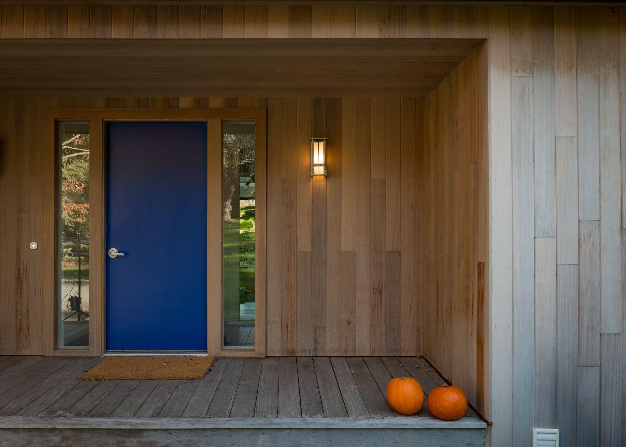 T G Siding Clear Cedar Installed Vertically Beautiful Vertical Clear Cedar Siding In 2020 Tongue And Groove Cedar Siding Cedar Paneling