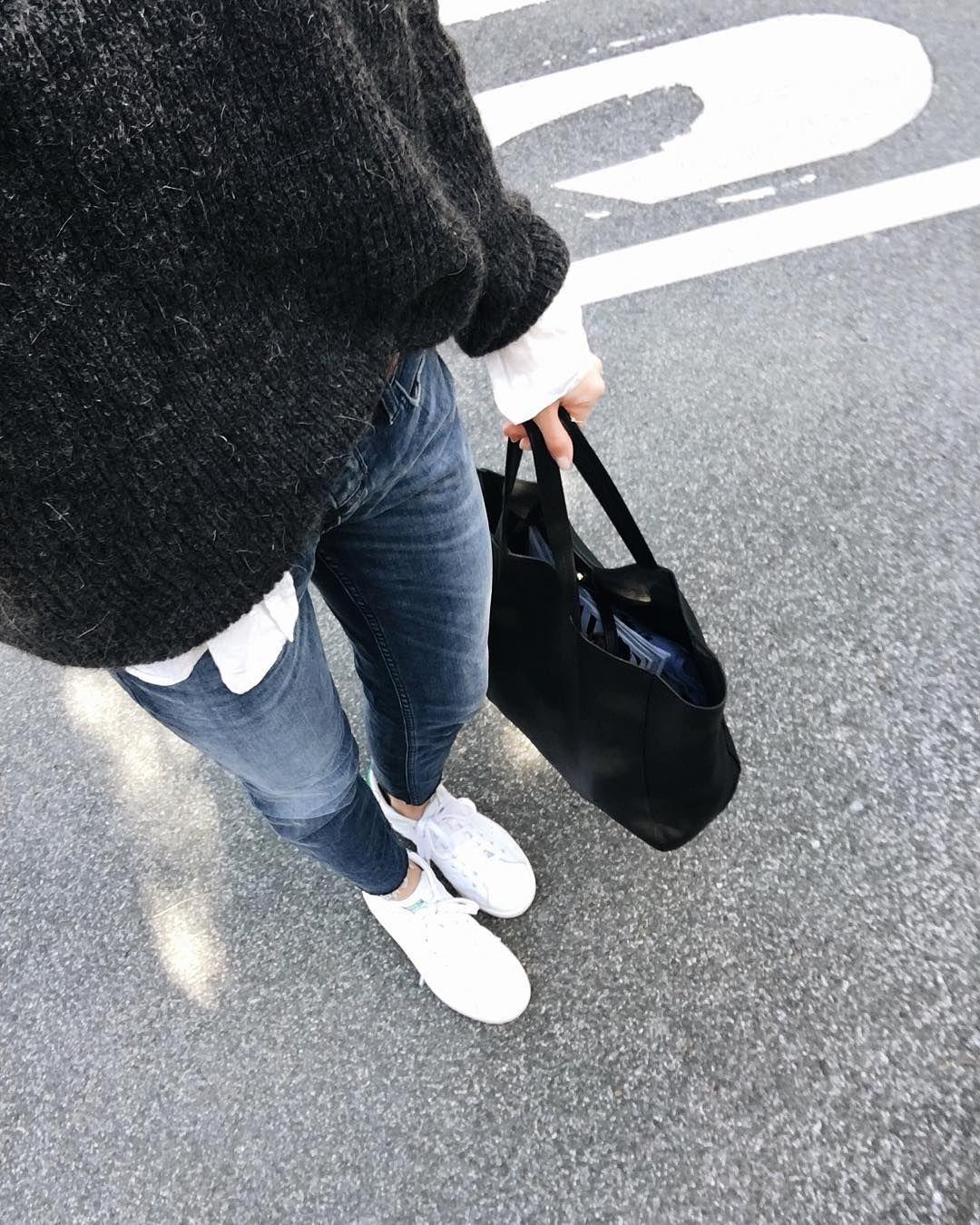 "referencia Inadecuado itálico  Eider Paskual on Instagram: ""Bilbo there we go! @mumubags @zatroshop #ootd  #girlz #adidasoriginals""   Fashion, Style, Autumn winter fashion"