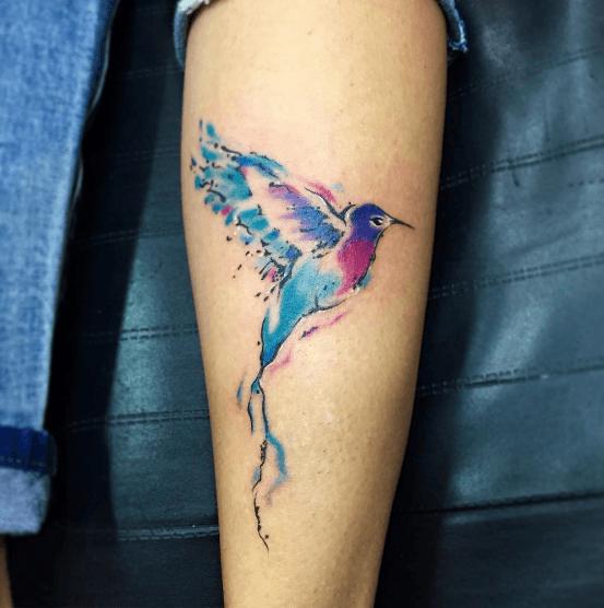 Tatouage colibri tricolore tatoo pinterest tatouage colibri colibri et tatouages - Tatouage oiseau signification ...
