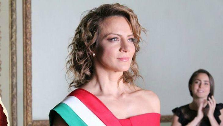 Confirmado! Silvia Navarro protagonizará nueva telenovela - TVyNovelas México | Novelas, Fotos, Que guapo