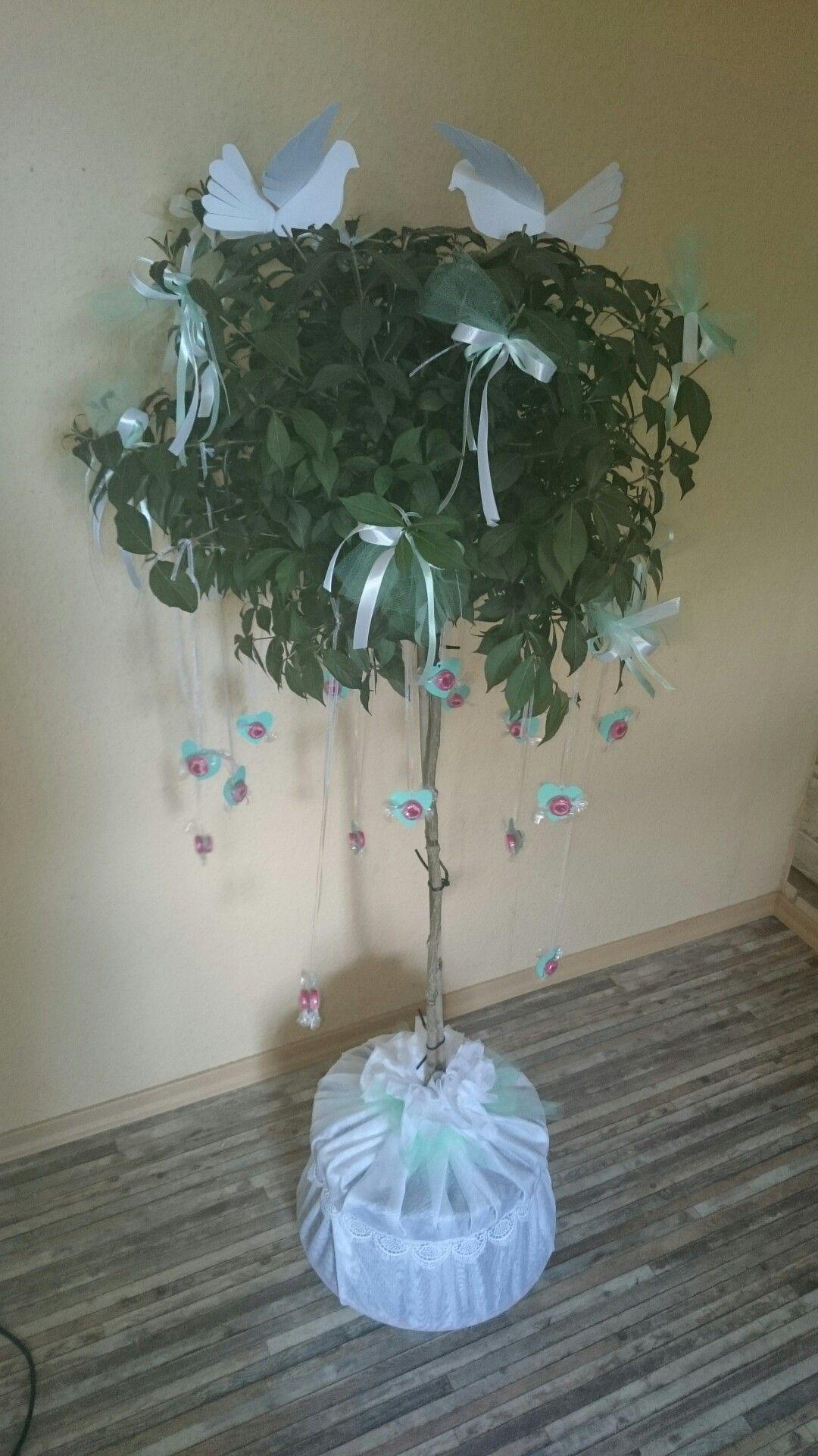 Hochzeit Baum deko Herz liebe schleifen Tauben papier
