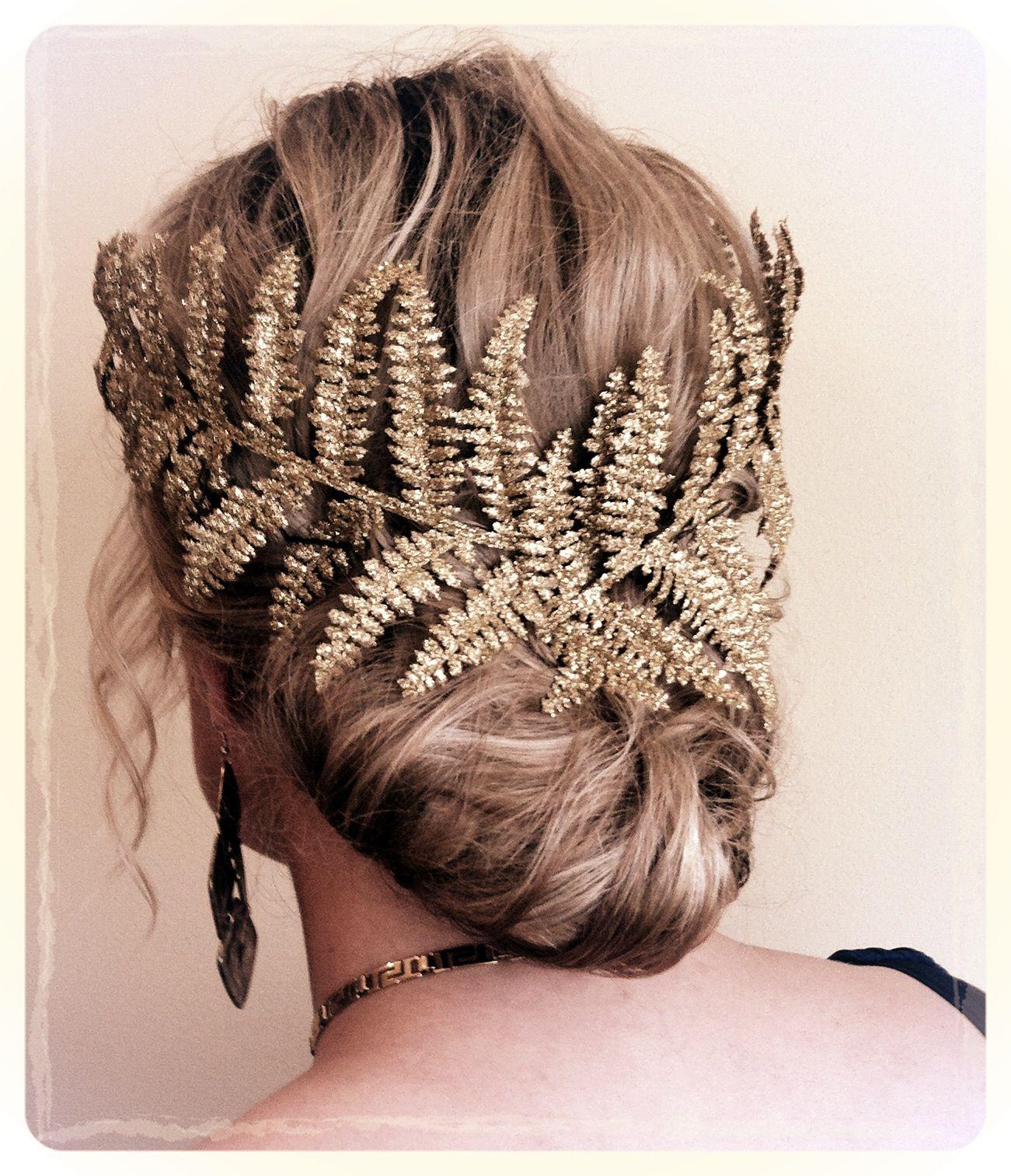 Greek goddess hair style, great Halloween look. Wooooooow ...
