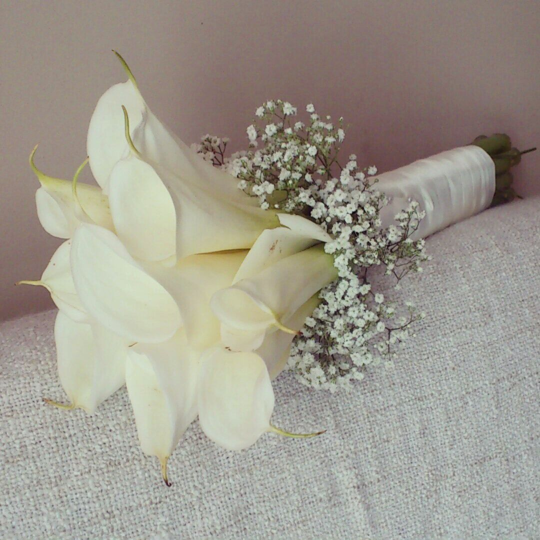 Calla Lilies And Baby Breaths Lily Bouquet Wedding Simple