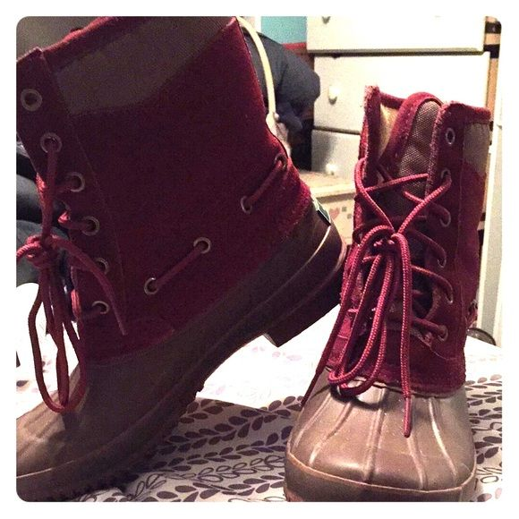 """DUCK BOOTS Bass duck boots in the color """"wine"""". Worn twice. Bass Shoes Winter & Rain Boots"""