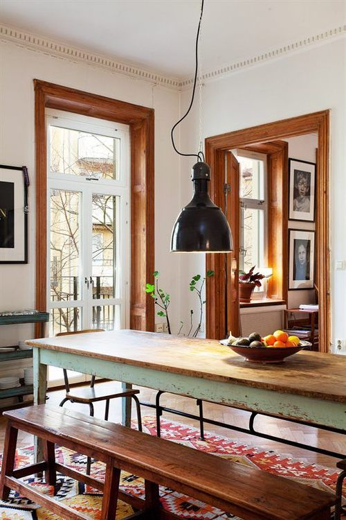 mesa angosta y banco menos larga o extensible patas escandinavas
