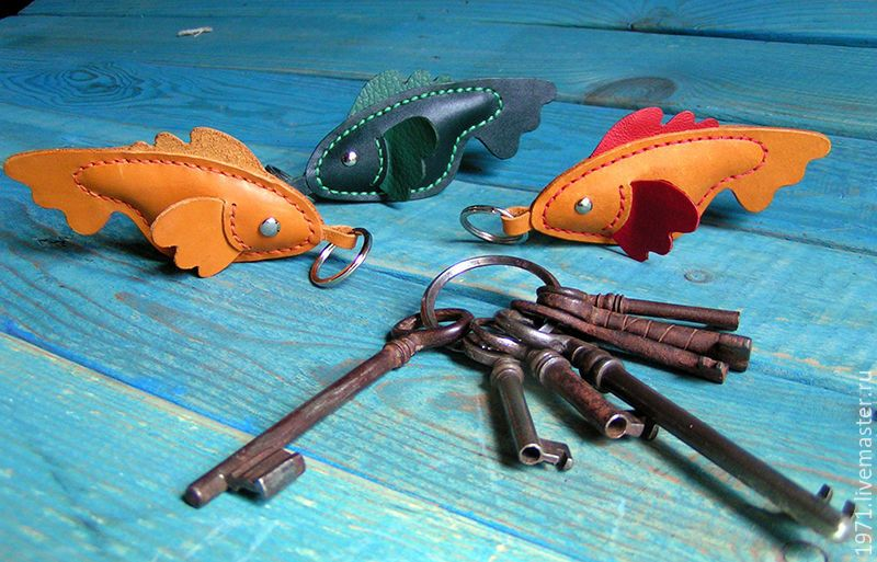 Купить брелок для ключей - РЫБНЫЙ ДЕНЬ - рыба, рыбалка, брелок для ключей, брелок на сумку