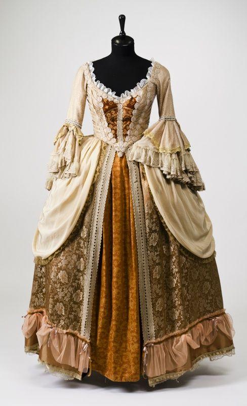 Картинки 17 века бальные наряды