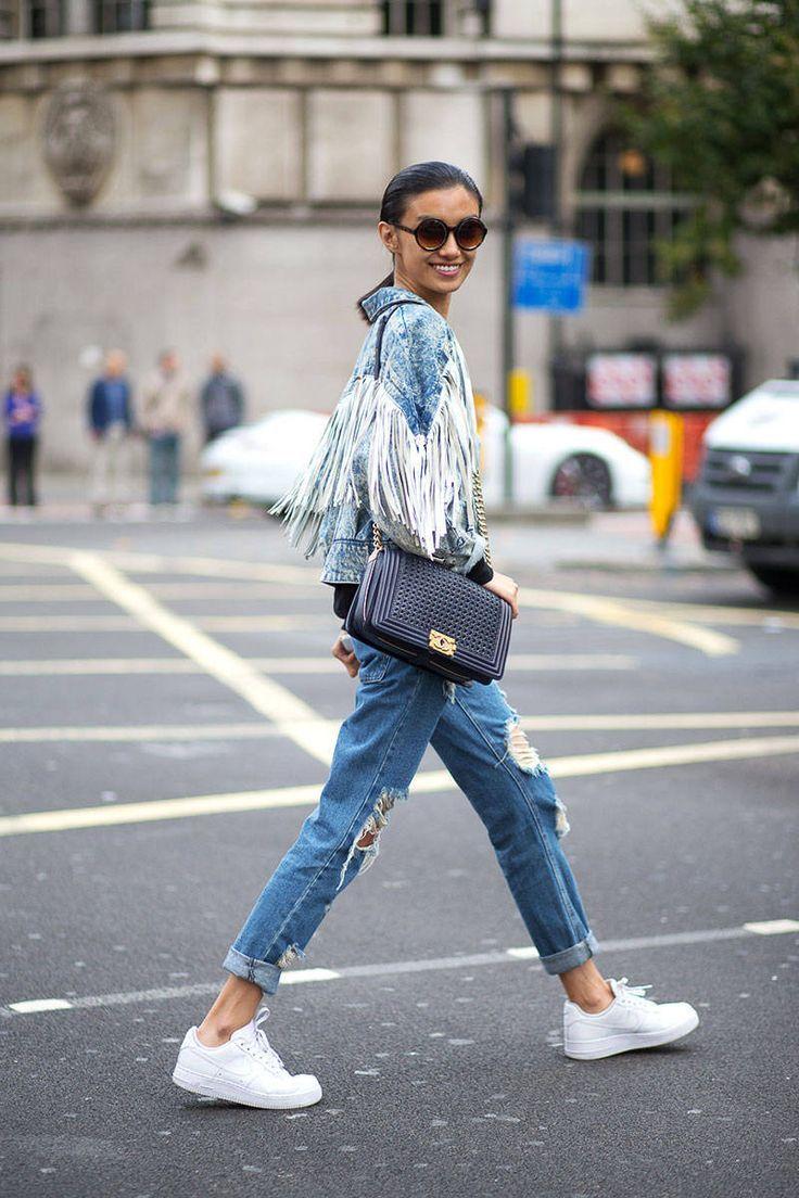 Sokak Stilinde En Şık Denim Pantolon Kombinleri