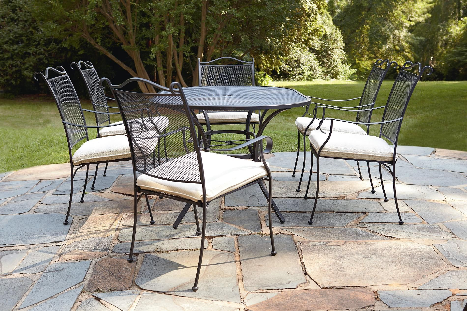 Pin de Sally Keidel en Outdoor table sets | Pinterest