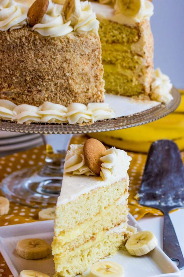 Elegant Cakes That'll Impress Mom on Mother's Day