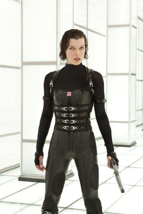 Still of Milla Jovovich in Resident Evil: Retribution (2012)