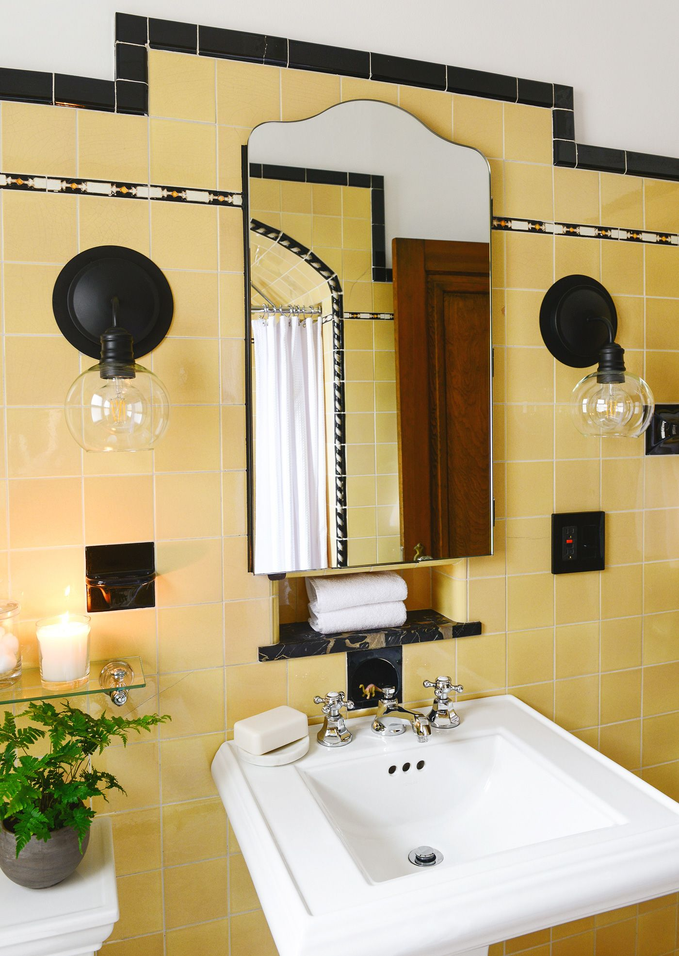 How To Refresh A Vintage Bathroom Keep The Charm Ii Of Ii Yellow Bathroom Tiles Vintage Bathroom Bathroom Makeover