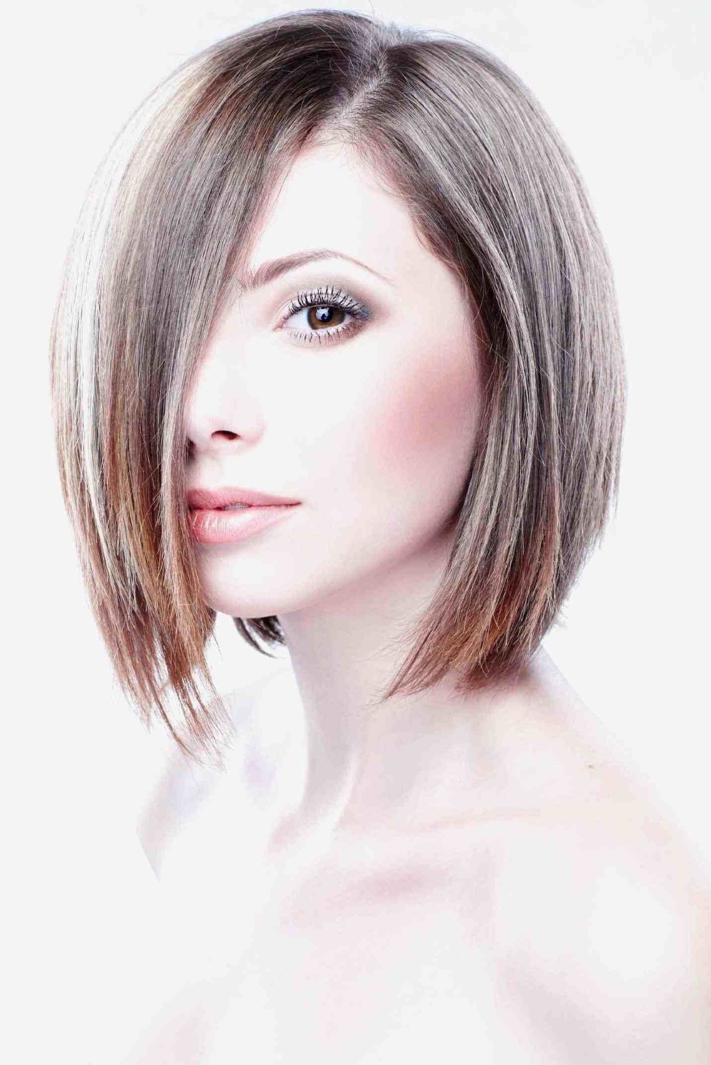 feather cut hairstyle for round face | hair stylist and