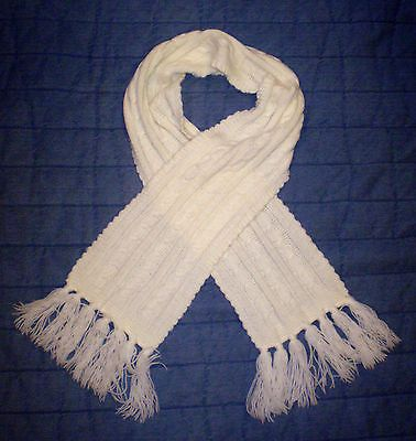 Cable Knit Scarf w/Fringe Ivory Classic EXCELLENT $40 https://t.co/tvactkHm1s https://t.co/vF9ToYTk4q