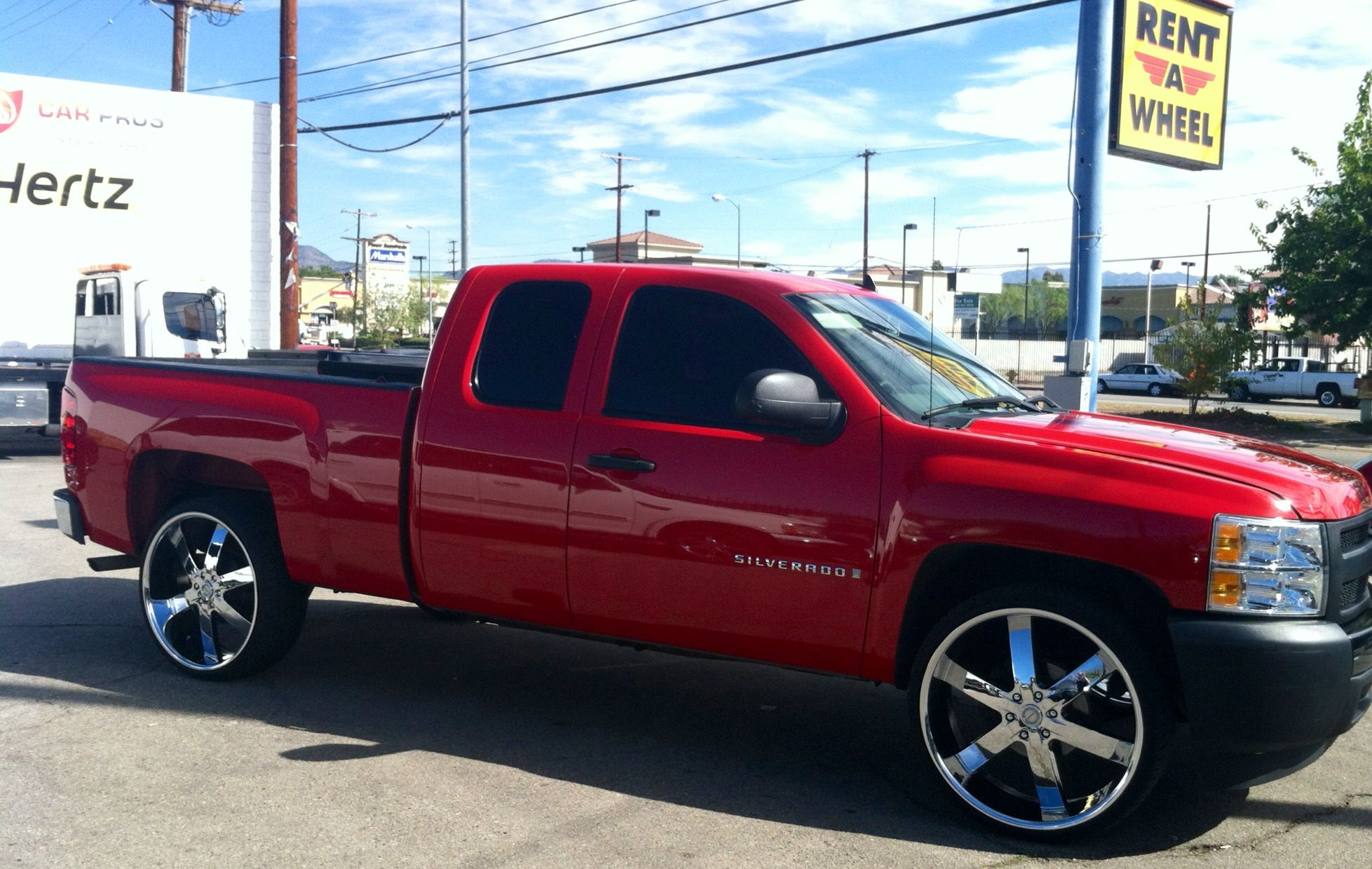 Silverado Rolls Out On 26 S Silverado Trucks Vehicles
