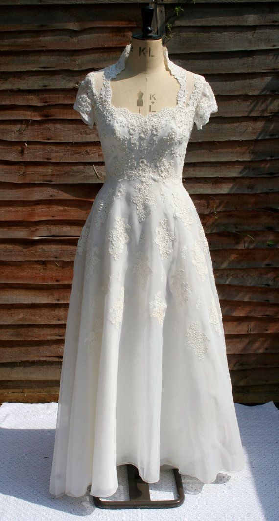 Stunning 1970\'s Priscilla of Boston beaded wedding dress with train ...