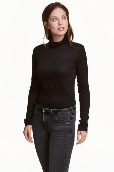 Camisola gola alta em lyocell: CONSCIOUS. Camisola de mangas compridas com gola alta em jersey fino de Tencel® lyocell.