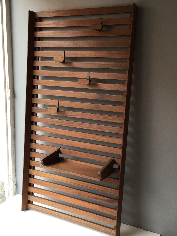 porte manteau mural le corbusier et charlotte perriand. Black Bedroom Furniture Sets. Home Design Ideas