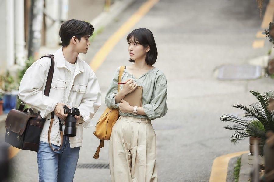 Upcoming JTBC Drama Shares First Stills Of Ong Seong Wu And Shin Ye Eun As Long-Time Friends