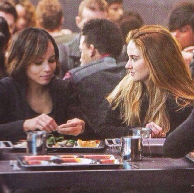 Zoe Kravitz Jennifer Lawrence Friends: Day 7 Favorite Friendship: Tris And Christina
