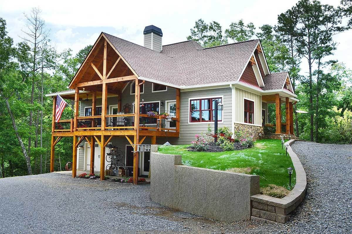 Plan 92310MX: Vaulted Spaces Abound | Ranch house plans, Lake house plans,  Basement house plans