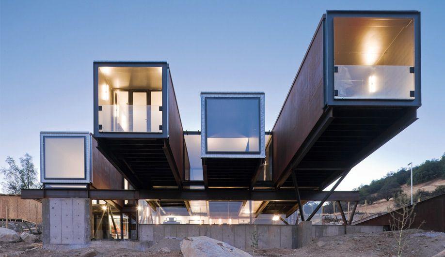 Sebastián Irarrázaval\u0027s multiple shipping container, multi-volume - budget pour construire une maison
