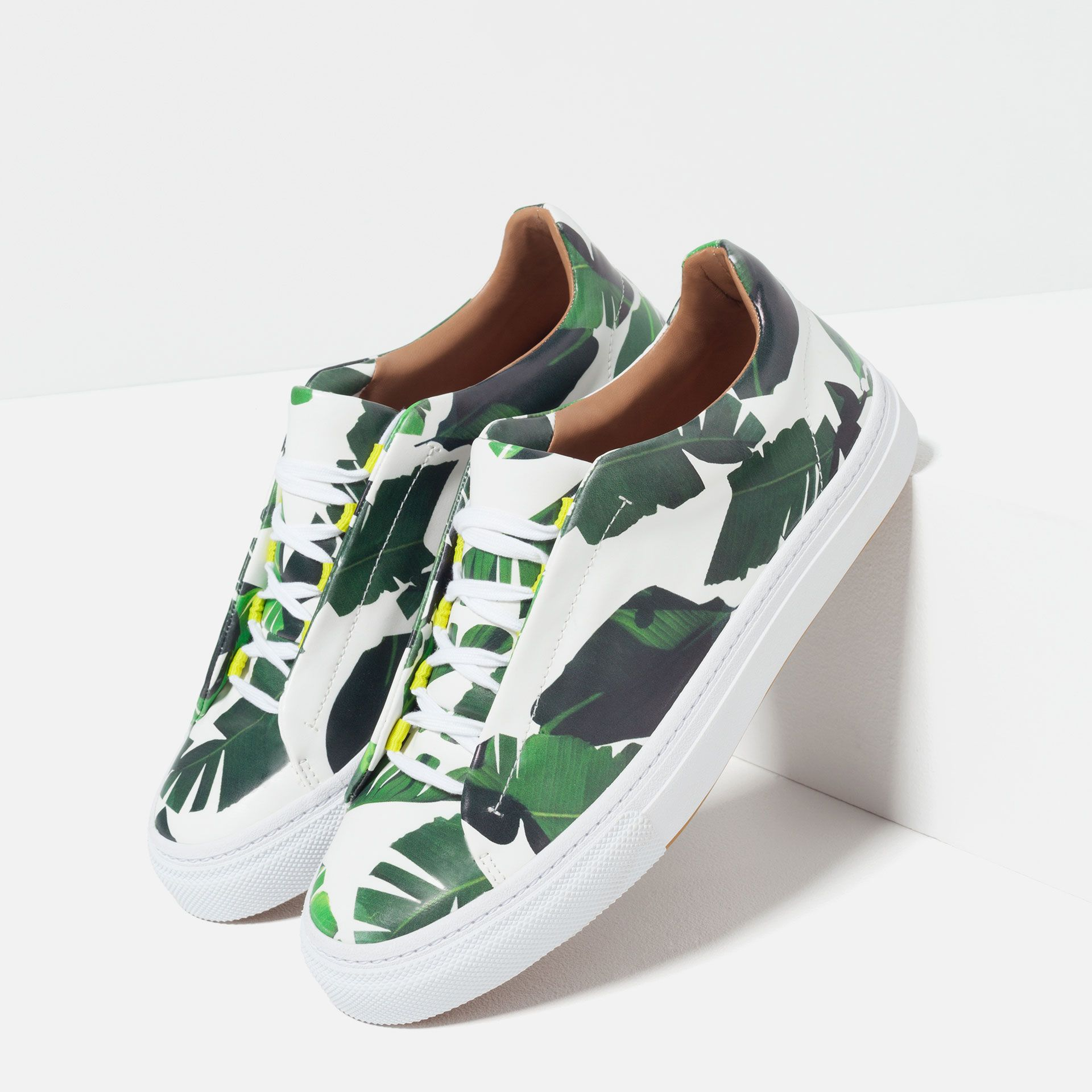 Palm Tree Leaves Breathable Fashion Sneakers Running Shoes Slip-On Loafers Classic Shoes