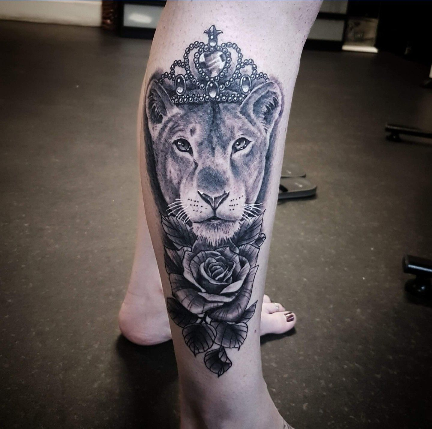 Love the details in this tattoo. Crown tattoos for women