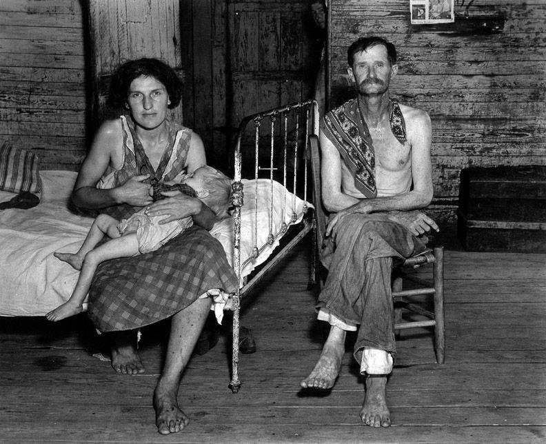 More of that white privilege during the 1930s. Dorothea Lange / Walker Evans