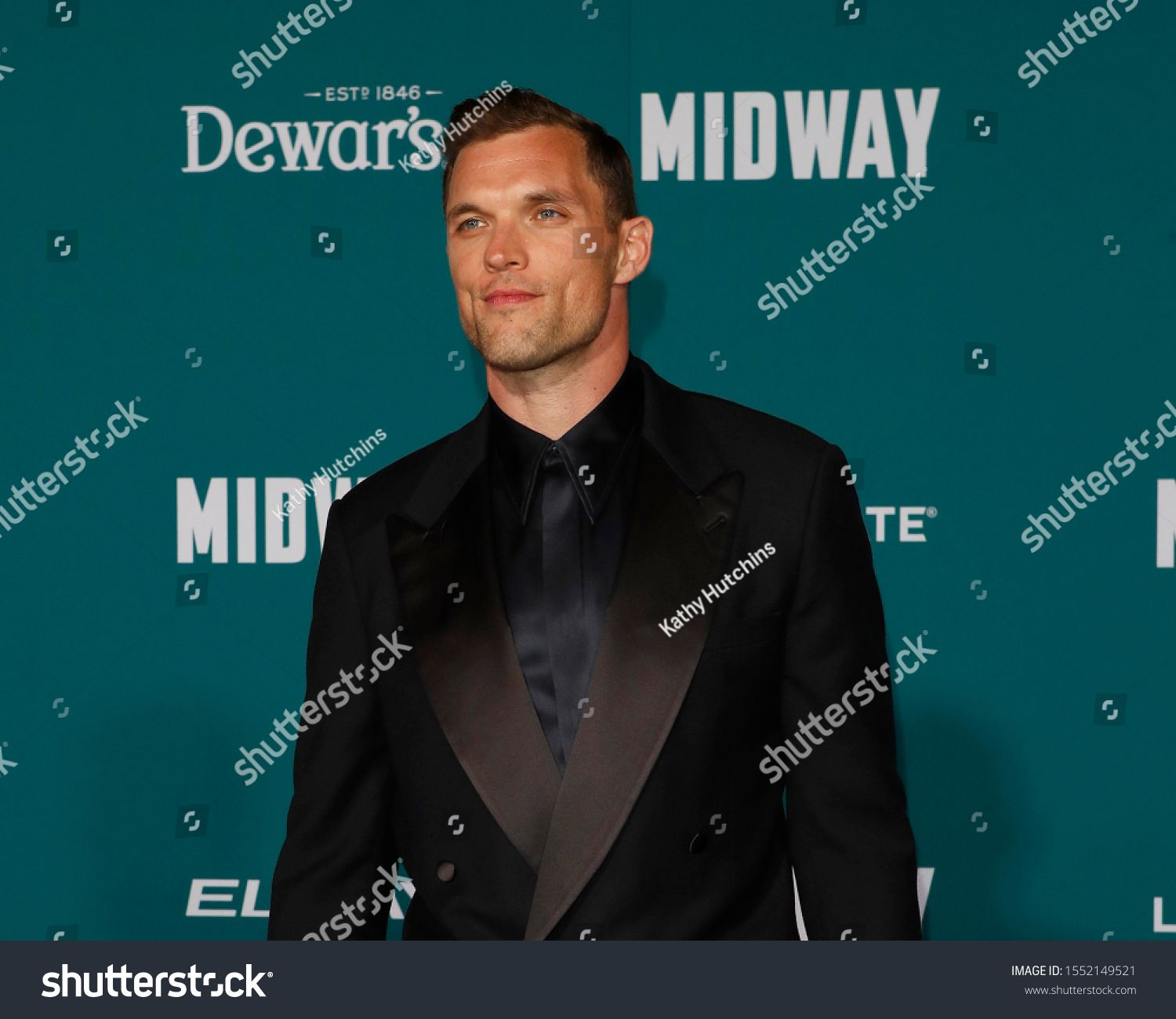 Los Angeles Nov 5 Ed Skrein At The Midway Premiere At The Village Theater On November 5 2019 In We Ad Ad Ed Skrein Midwa In 2020 Dewar S Premiere Image