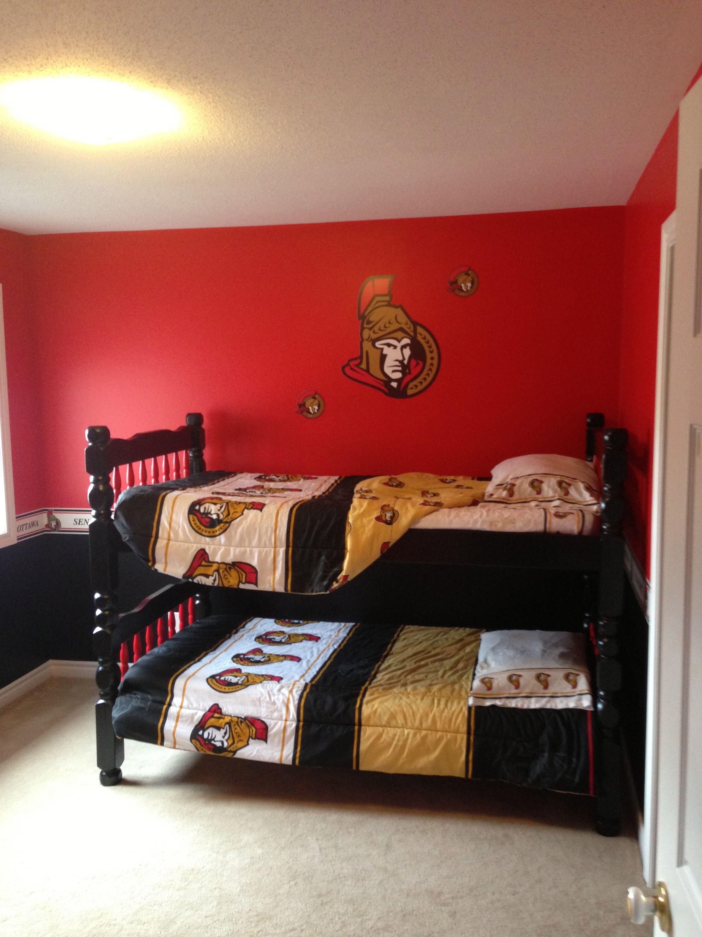 My son 39 s ottawa senator 39 s bedroom boys bedroom for Hockey bedroom ideas